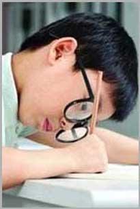 臻明眸可以缓解眼部疲劳,改善因眼疲劳导致的坐姿不正、视力持续下降。